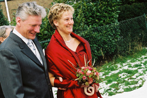 040228 Ton en Ivonne voor Huize Wawona