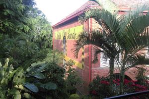 160125 Hotel Chez Lando uitzicht klein
