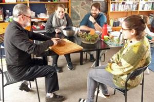 Zuurdesembrood gebakken opleiding permacultuur
